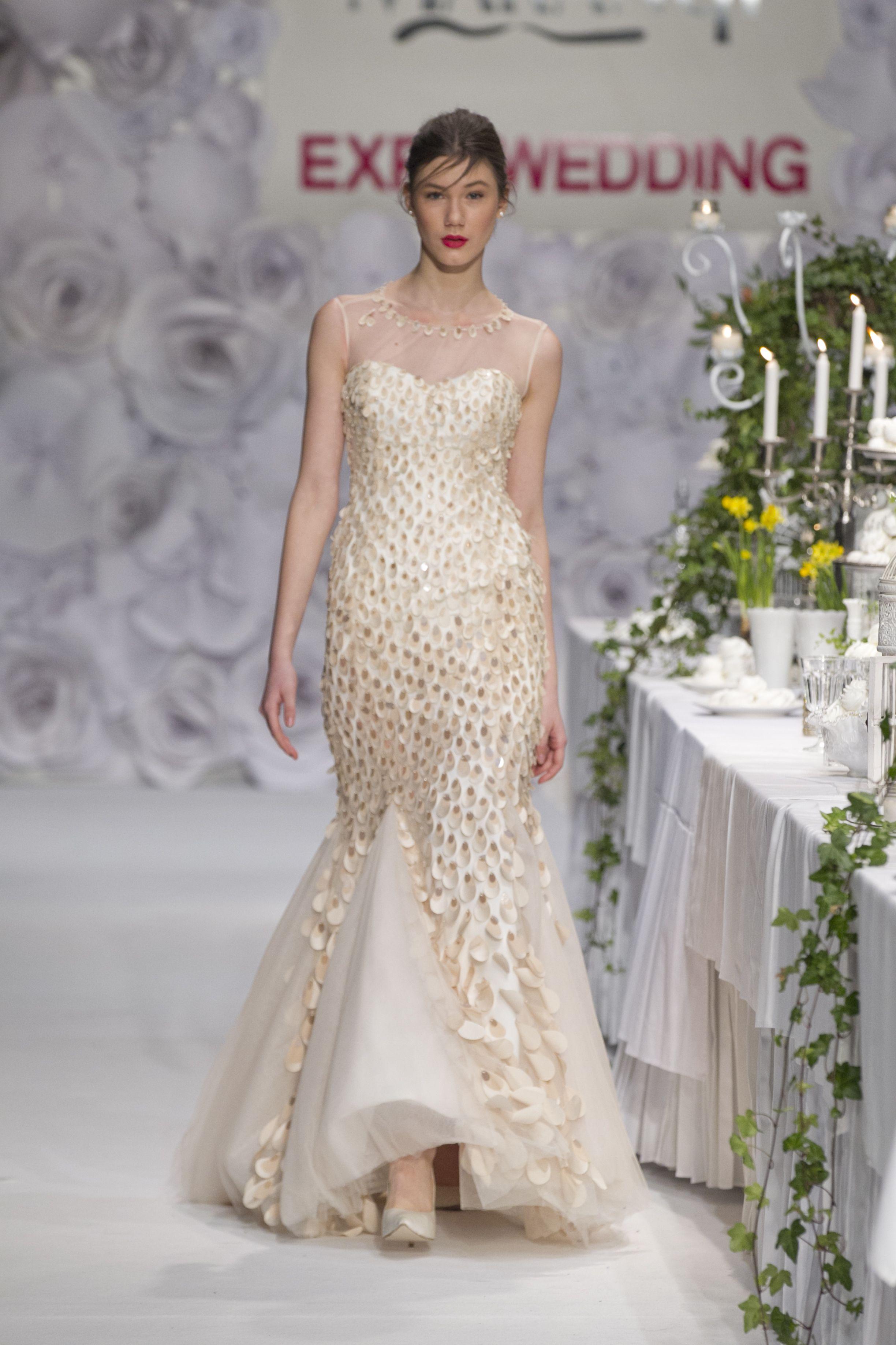 Νυφικό Φόρεμα Γοργονέ – 1042