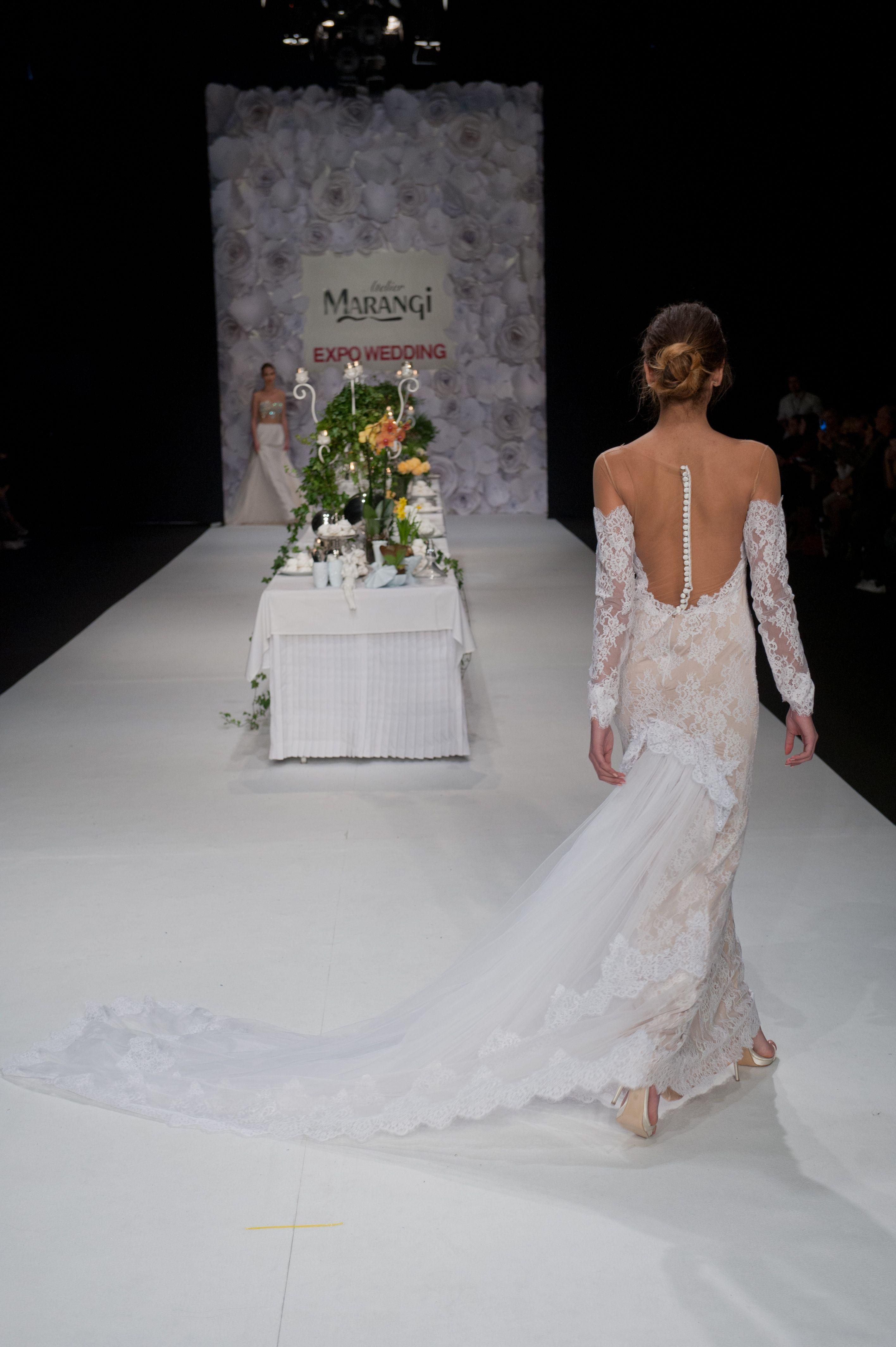 υπέροχο νυφικό φόρεμα σε στενή γραμμή Slim